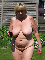 Mature nudists with plump bodies - Chubby Naturists